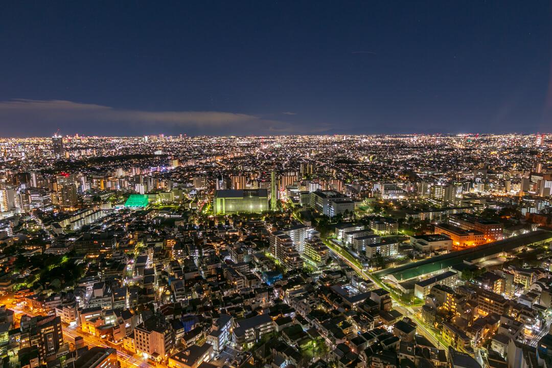 恵比寿ガーデンプレイス展望台・スカイラウンジから撮影した西方向の夜景
