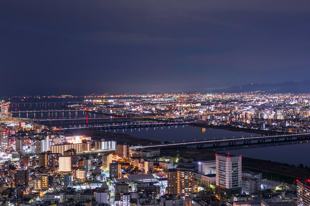 梅田スカイビルの夜景(西側)