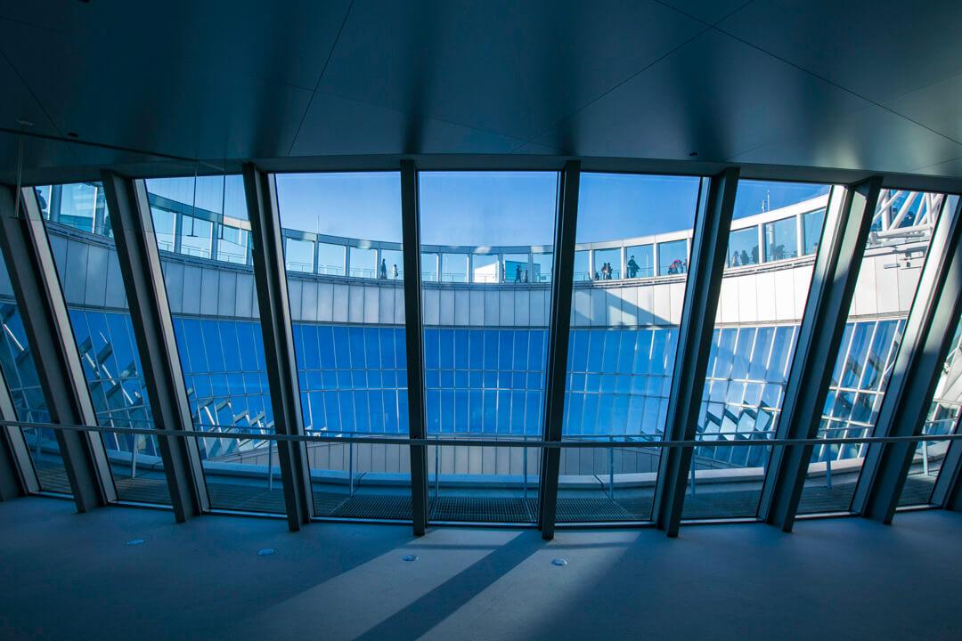 梅田スカイビルのフロアの写真
