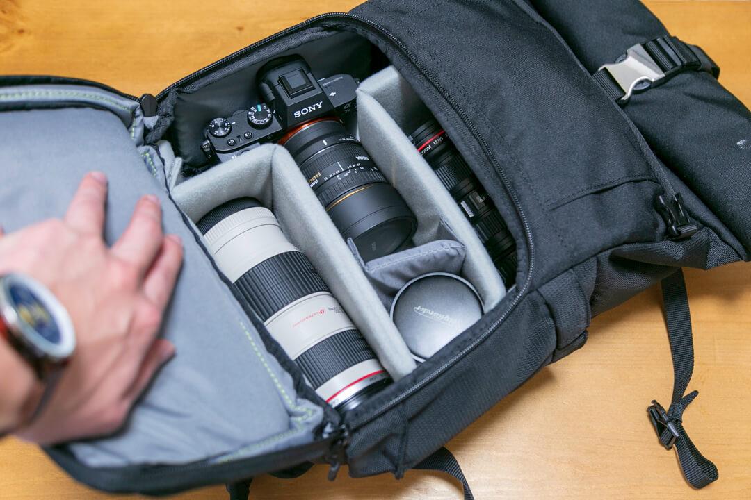 2気室のカメラバッグ