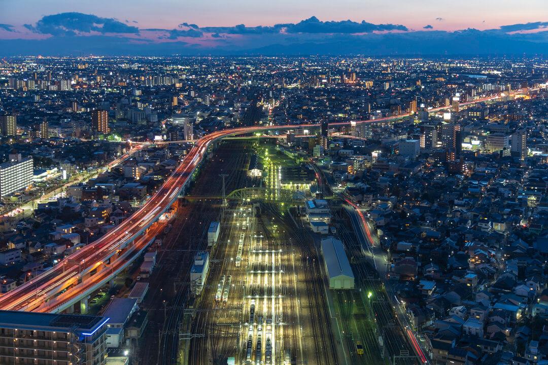 名古屋プリンスホテルスカイタワーから名古屋車両区方面の夜景を撮影してきた