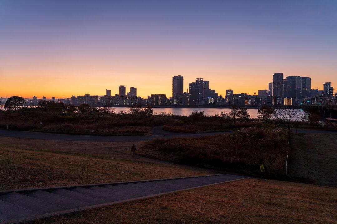 淀川河川敷から撮影した夜景
