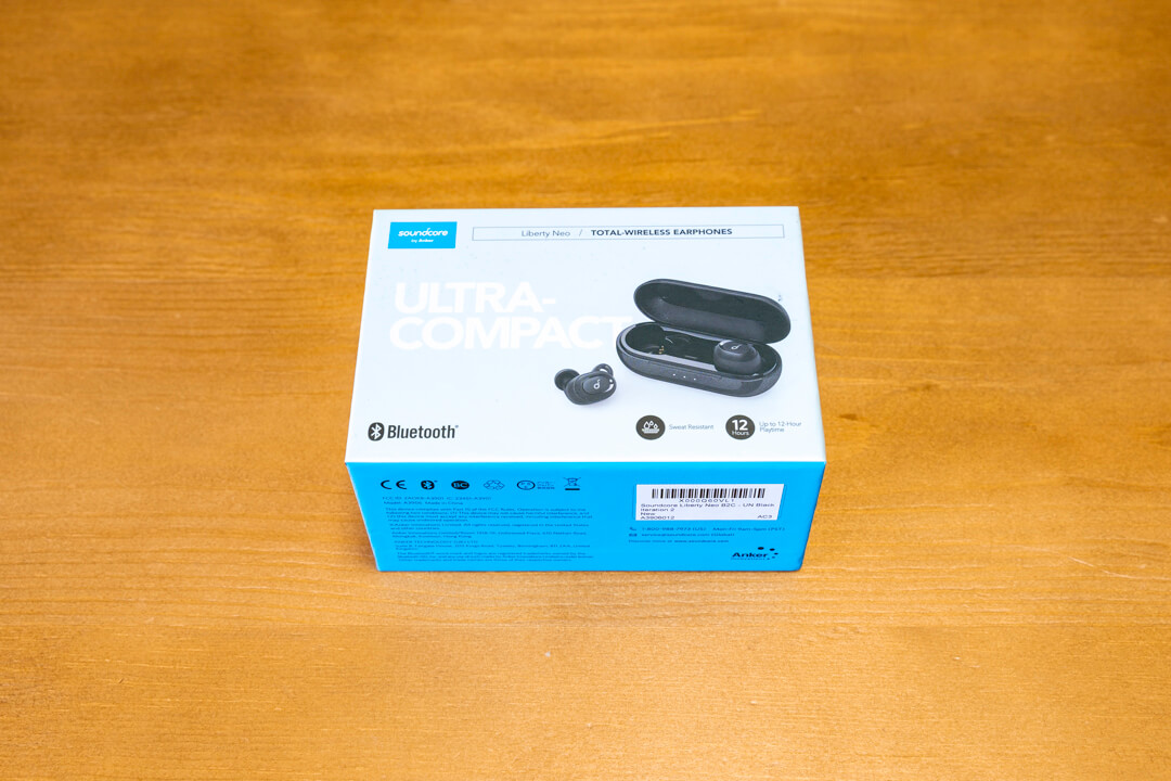 Anker「Soundcore Liberty Neo」の化粧箱の写真