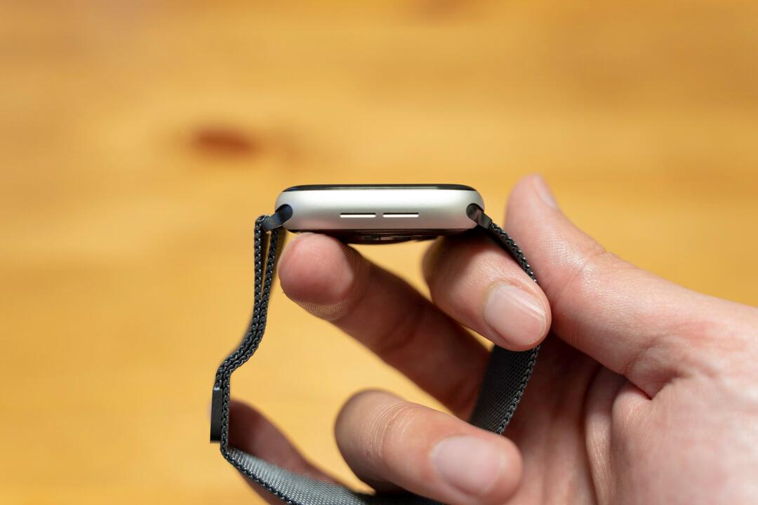 apple watchにミラネーゼループを付ける方法