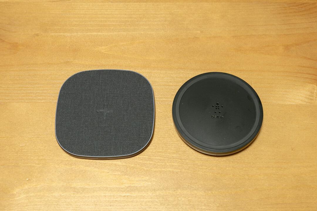 Peohzarrワイヤレス充電器の厚さ比較