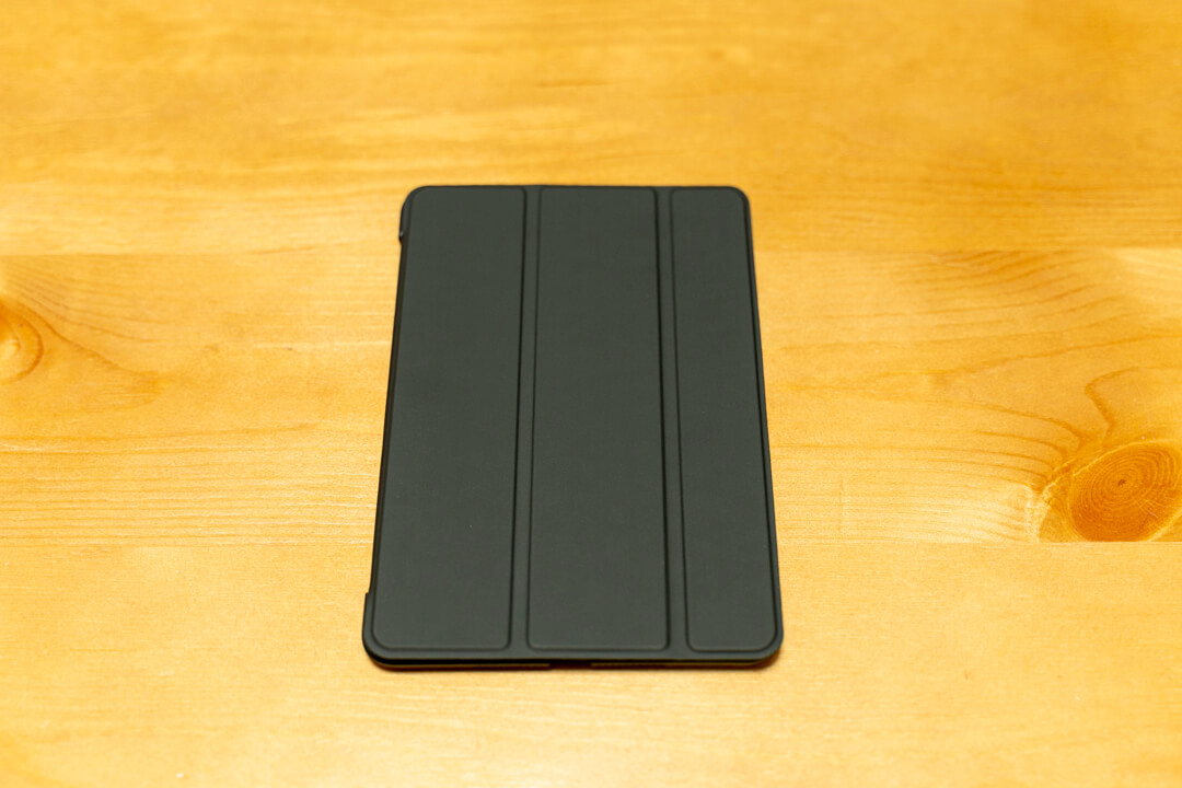ESR製 iPad miniのカバーケースの正面