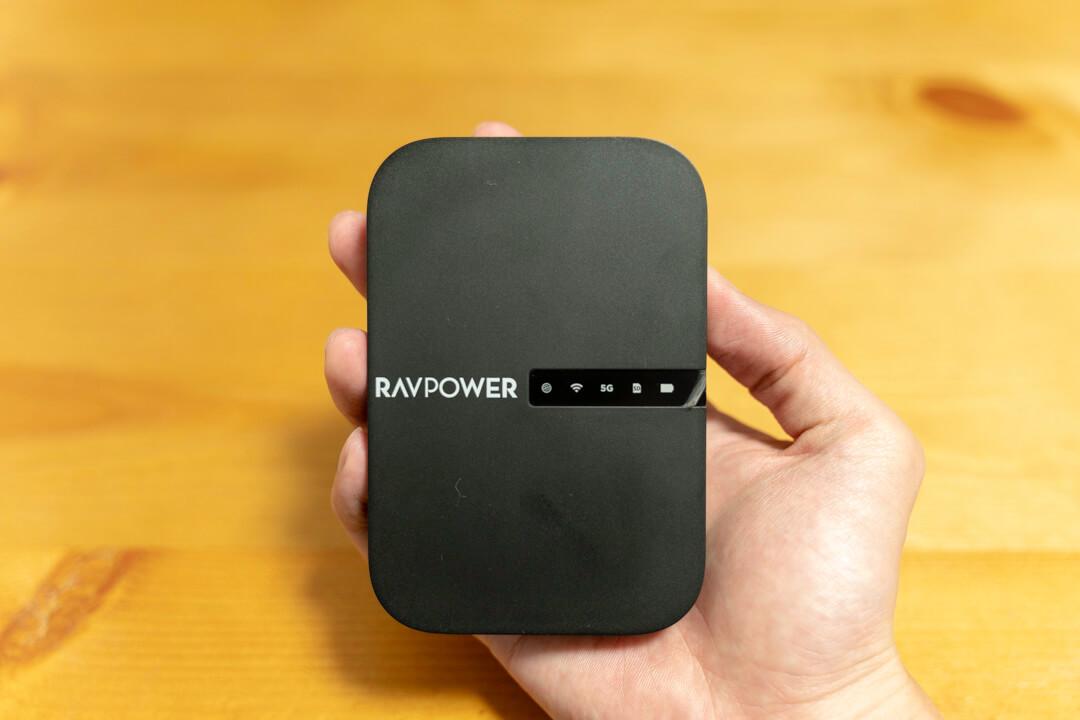 File Hub RP-WD009の大きさを比較する写真