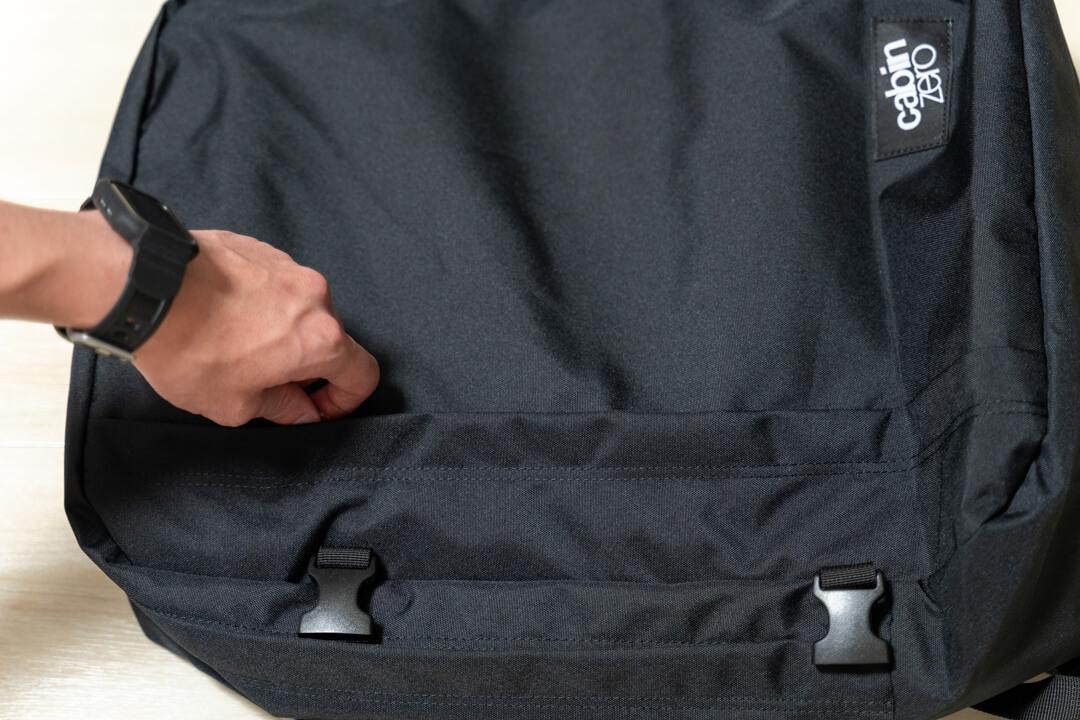 キャビンゼロのサブポケットを撮影した写真