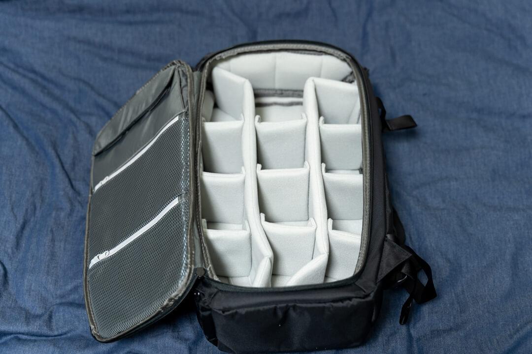 Incase(インケース) DSLR Pro Pack Nylonのメイン収納スペース