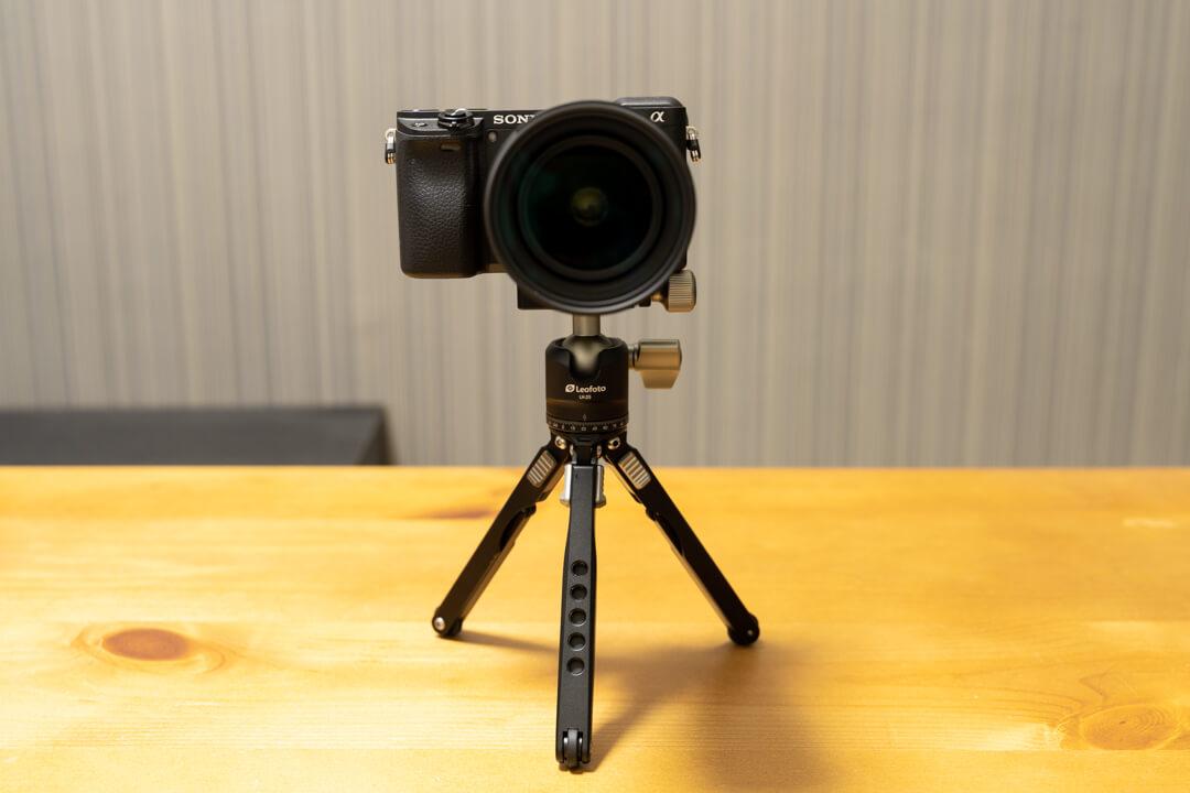 Leofoto MT-03にカメラを載せている写真
