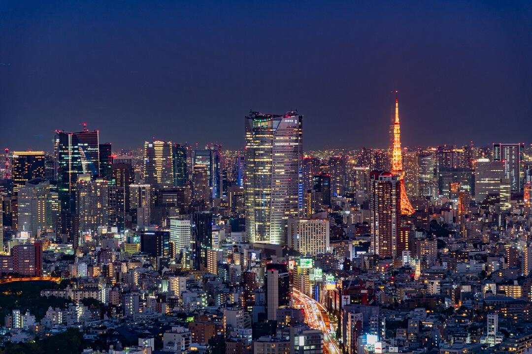 渋谷スクランブルスクエア展望台・渋谷スカイから撮影する東京タワーの夜景