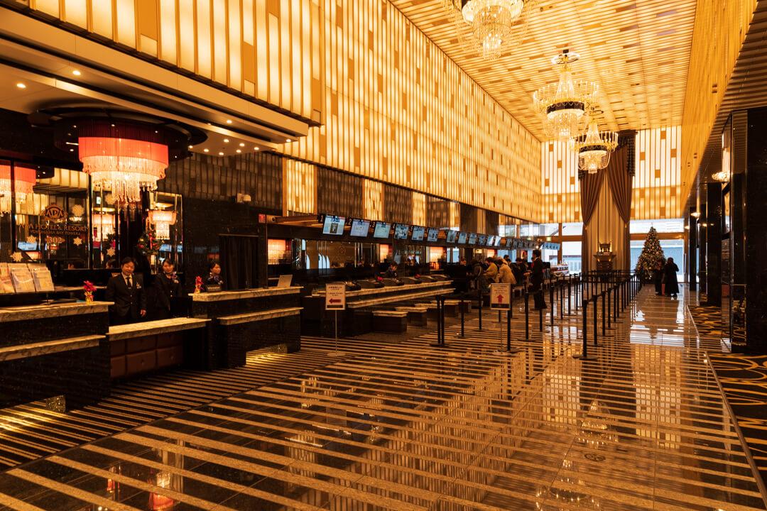 APAホテル横浜ベイタワーの1階ロビーの様子
