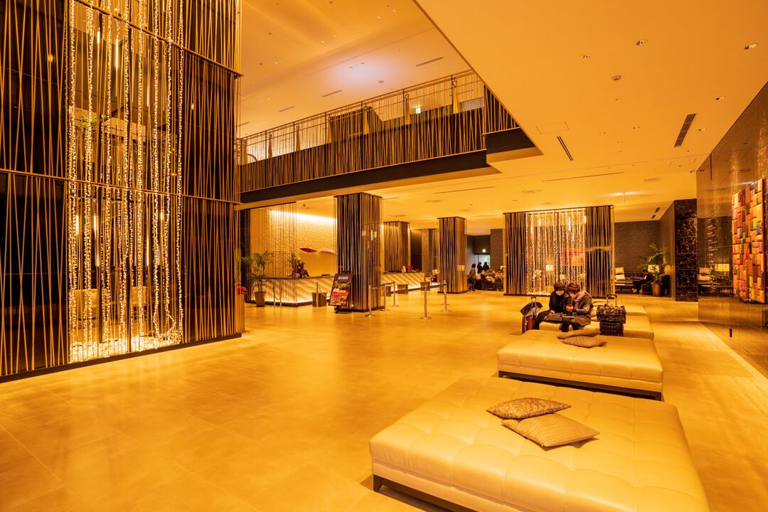 アートホテル大阪ベイタワーのエントランス