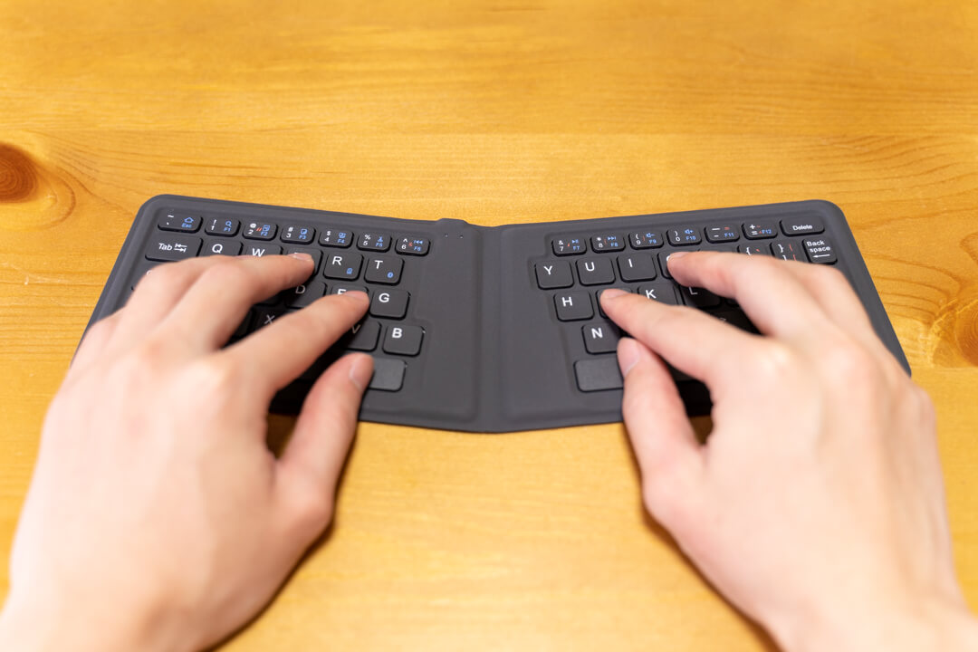iClever IC-BK06Lite(折りたたみキーボード)
