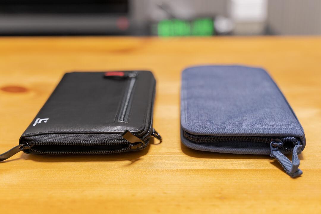 LiberFlyer パスフィットの厚さを無印良品のパスポートケースと比較