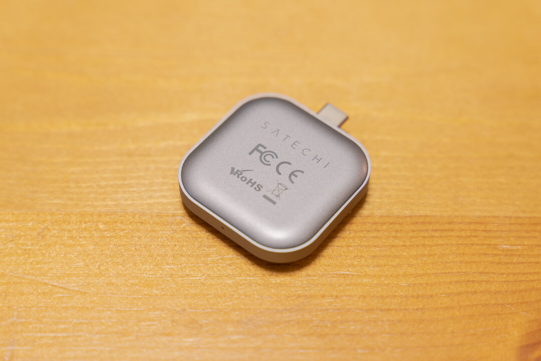Satechi USB-C Apple Watch 充電ドック裏側