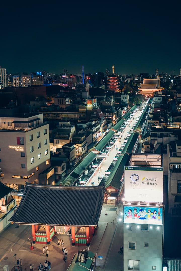 浅草文化観光センター10階の展望テラスからみた浅草寺