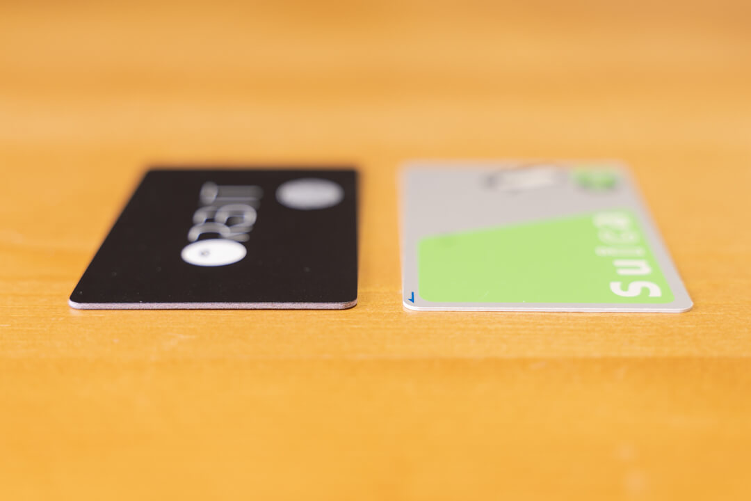 FINDORBIT Orbit Cardの大きさをクレジットカードと比較