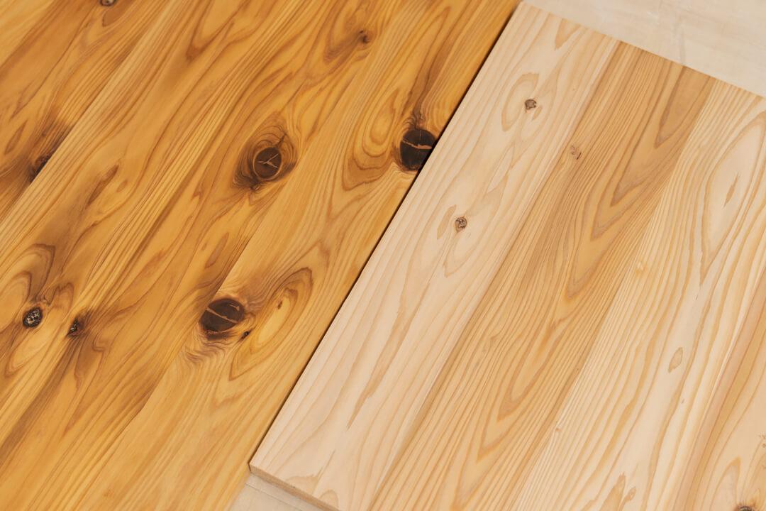ワトコオイルを塗る前と後の天板を比較
