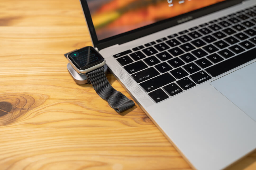 Satechi USB-C Apple Watch 充電ドック