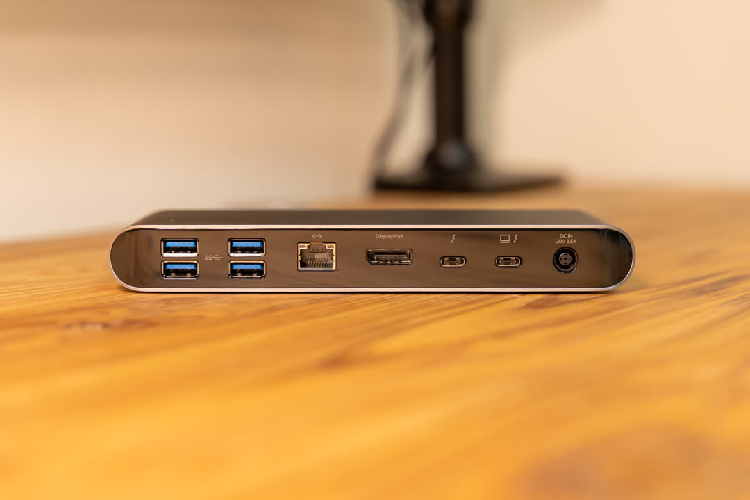 Thunderbolt3 Express Dock Pro HDの背面インターフェイス