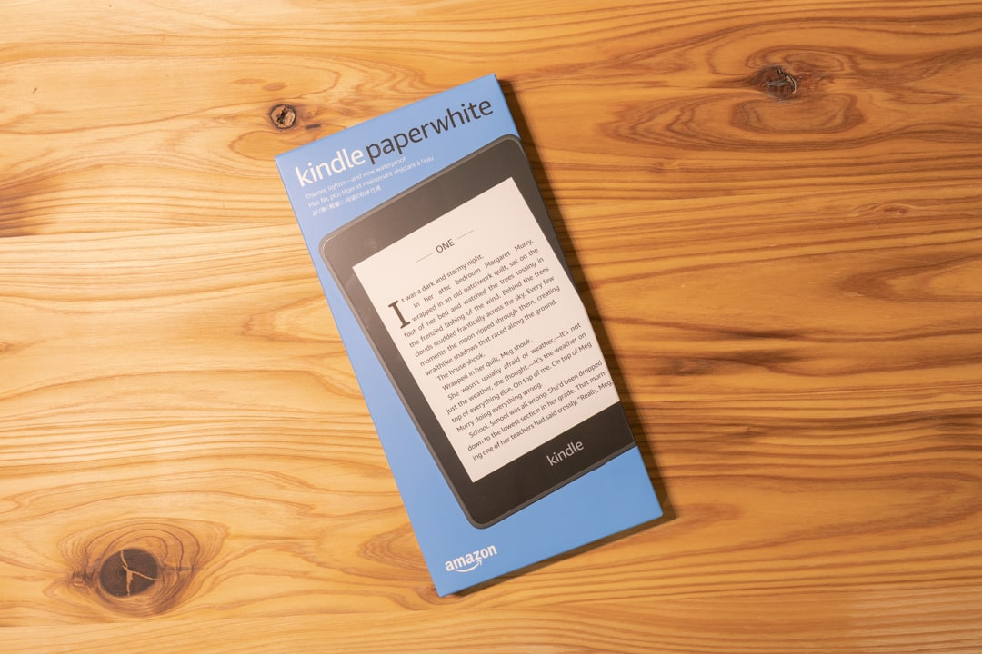 Kindle PaperWhiteの製品パッケージ