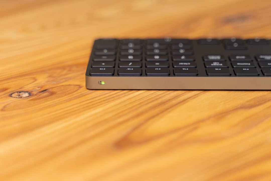Magic Keyboardの電源をオンする