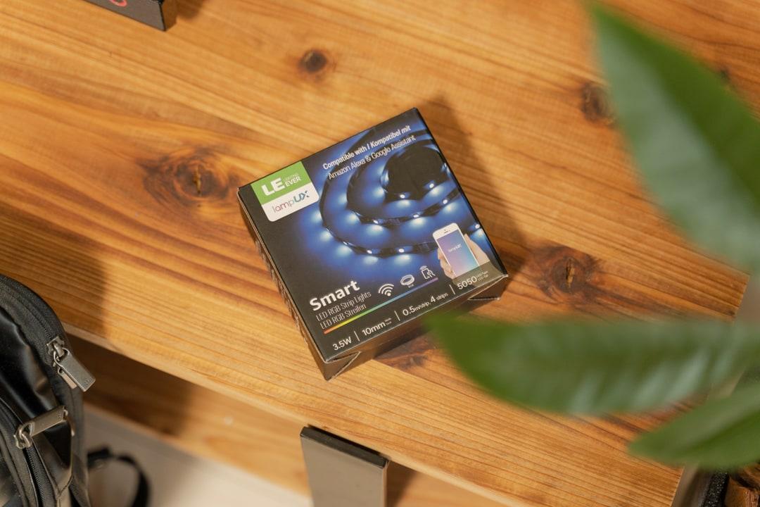 パソコンモニター用LEDテープのパッケージ