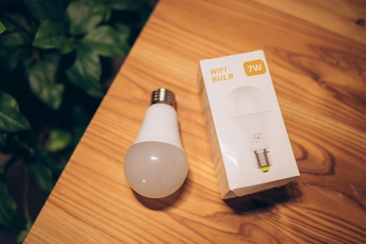 スマートデバイス対応のLED電球