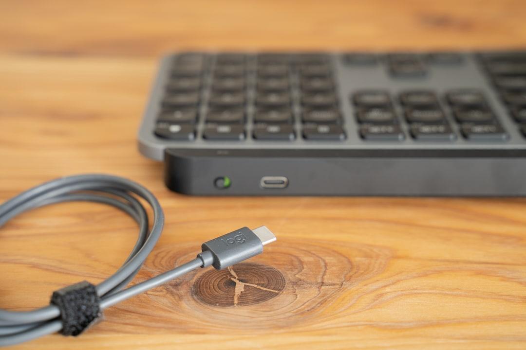 MX keys for MACの背面にあるUSBーC端子