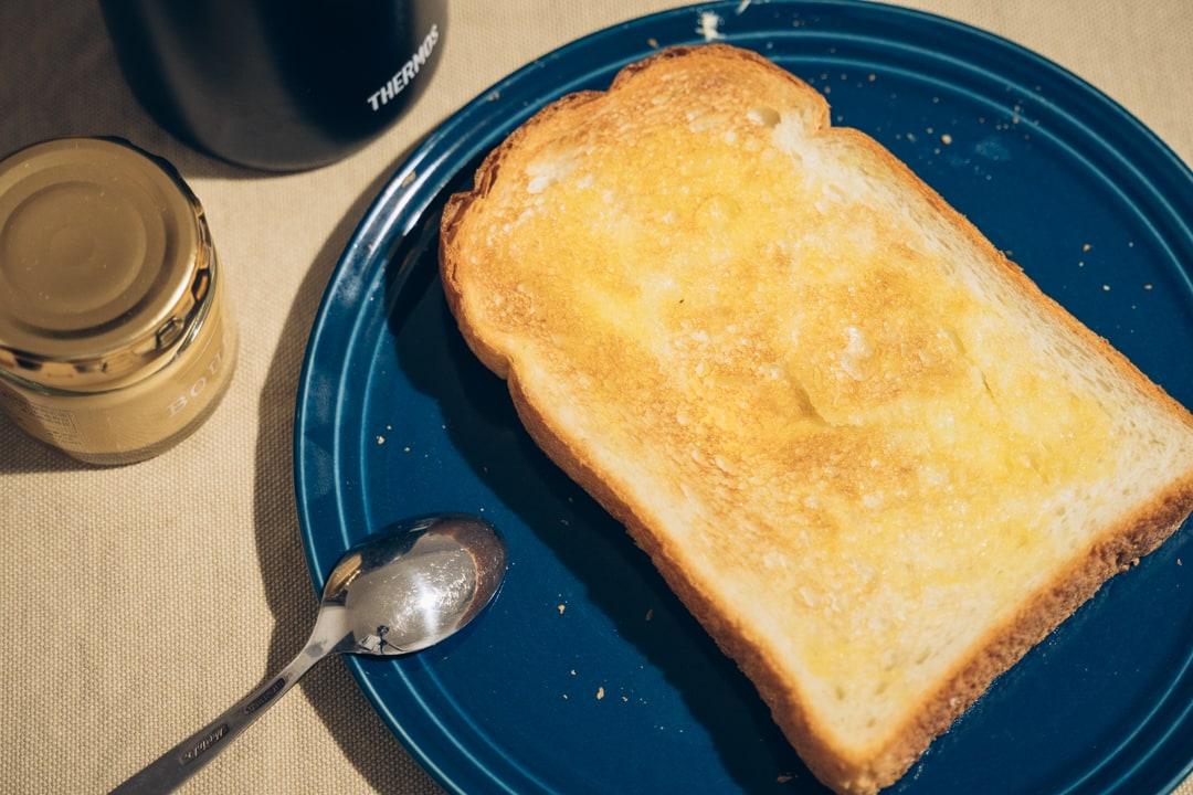 バルミューダのトースターで焼いた食パン