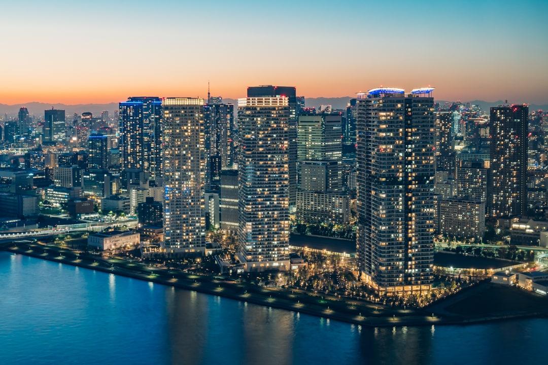 三井ガーデンホテル豊洲ベイサイドクロスから撮影した晴海のタワーマンション群