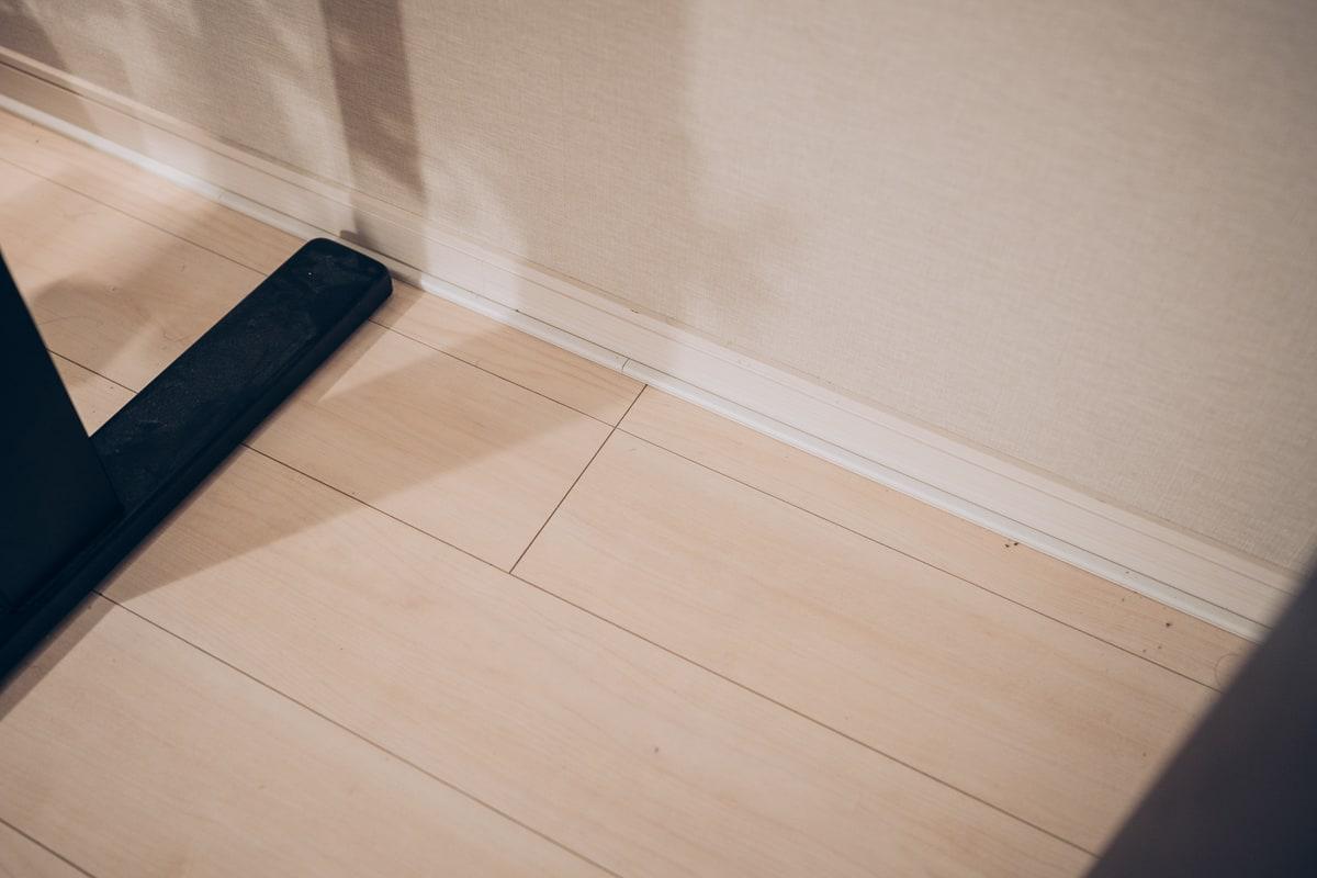 床下の配線を隠す方法