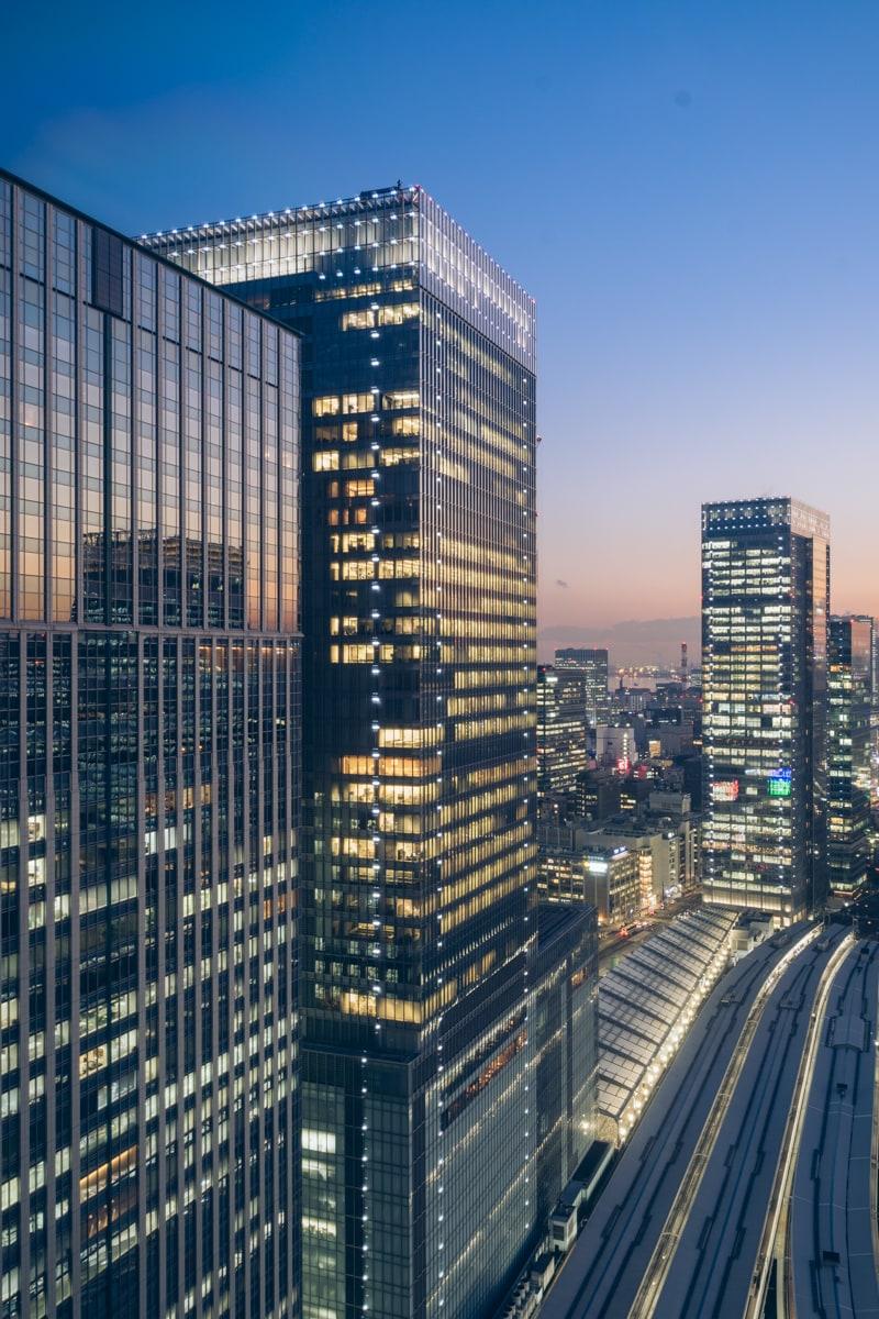 メトロポリタン丸の内からみる東京駅方面の夜景