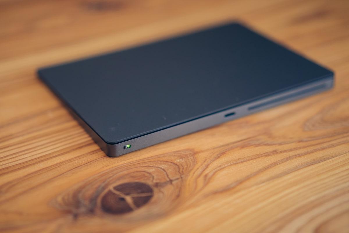 Magic TrackPad 2の電源をオンする