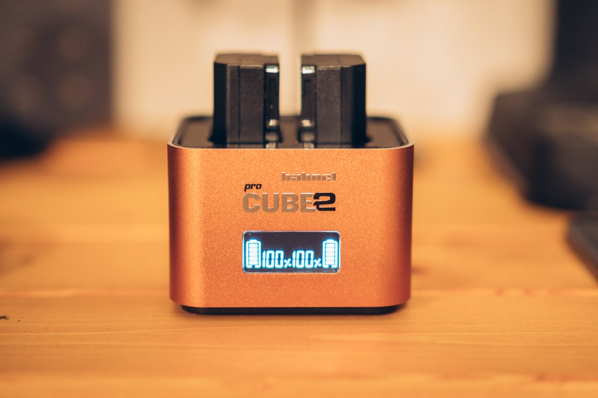 Neewer デュアルUSB充電器 Sony NP-FZ100バッテリー