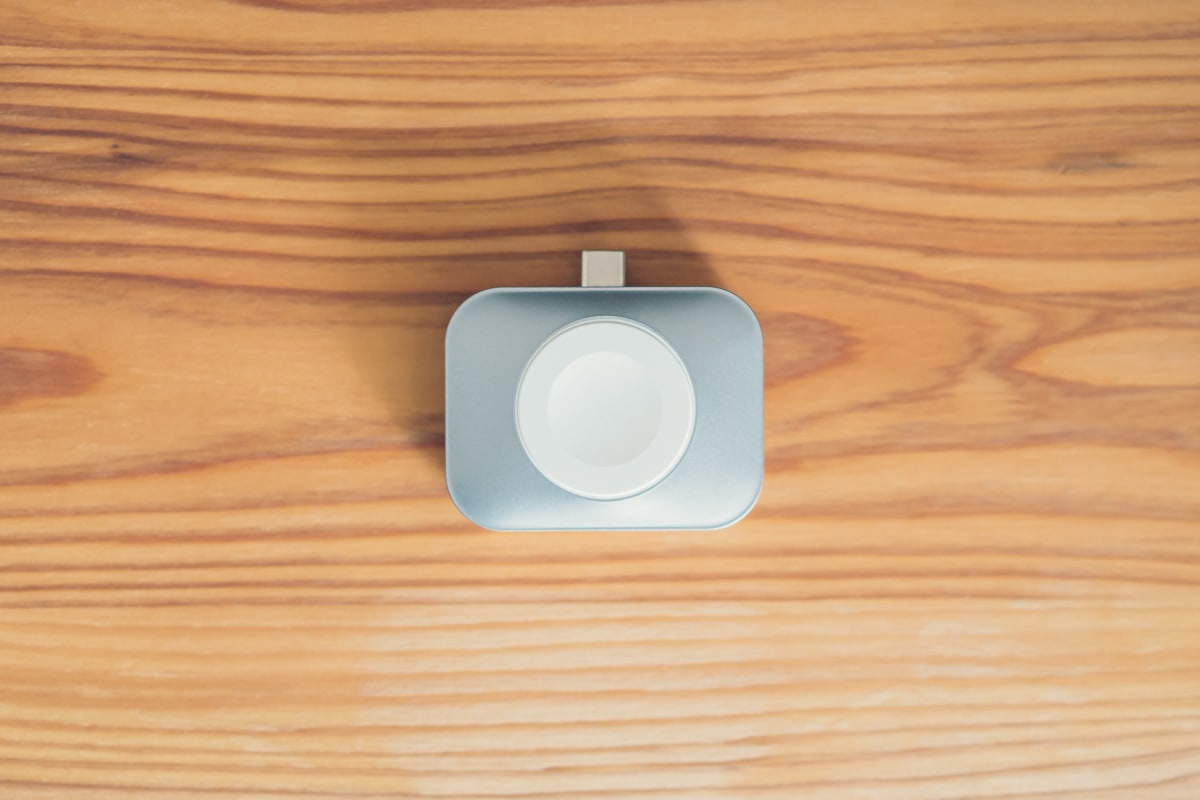 Satechi USB-C Watch AirPods Chargerの商品本体 / AppleWatch側