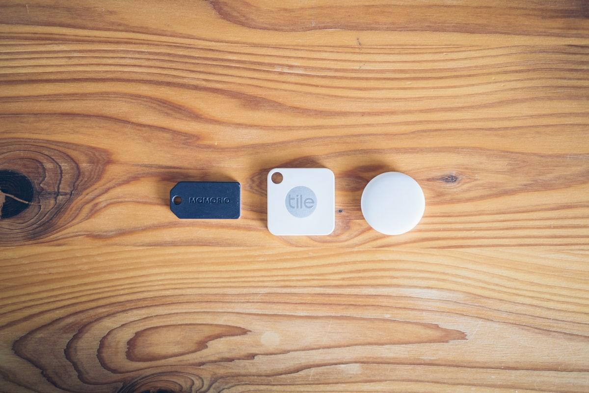 Apple AirTagの大きさを500円玉と比較する写真
